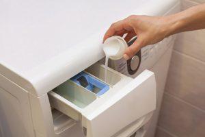 Bicarbonate et alcool pour désinfecter son linge en machine
