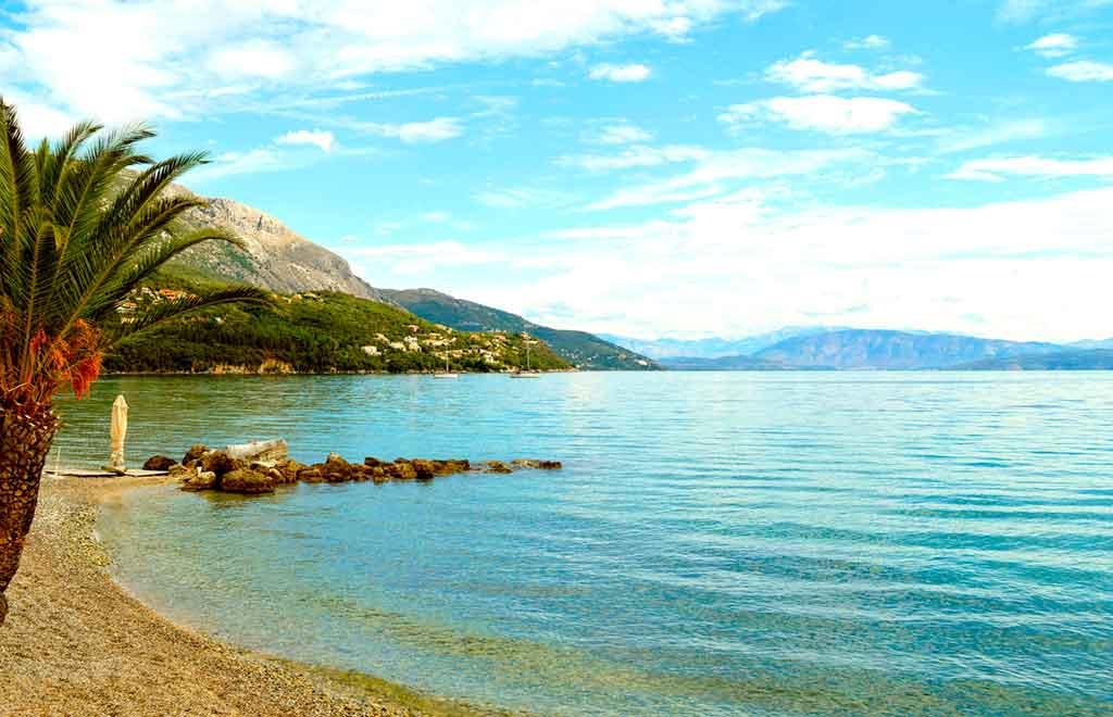 Détendez-vous à la plage d'Issos