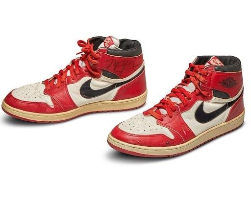 Nike Air Jordan 1 signée par Michael Jordan