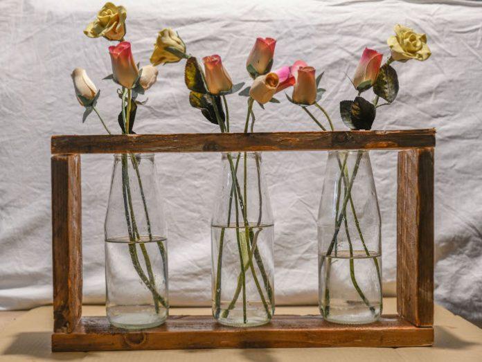 Centre-de-table-porte-fleurs-decorez-votre-maison-avec-du-bricolage